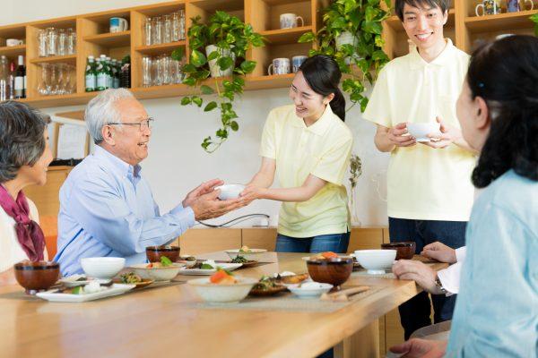 特別養護老人ホームの仕事はどんなもの?その内容を紹介します