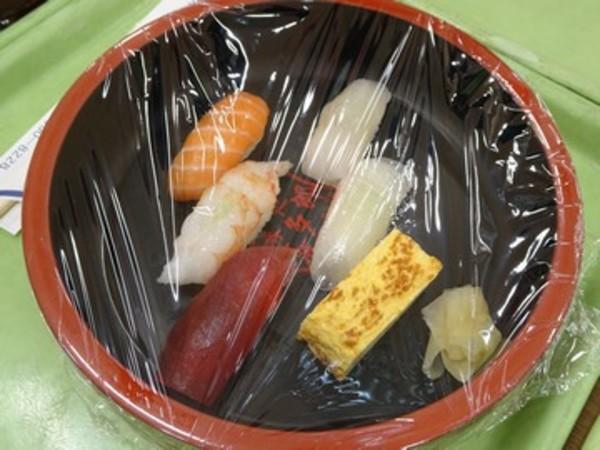 お寿司の出前(10月から再開)